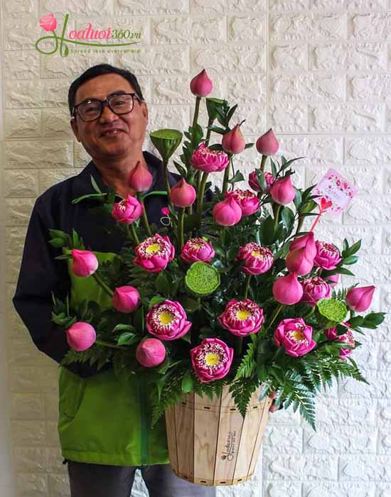 Chậu hoa sen- Nét đẹp Việt Nam