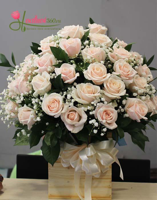 Hoa cắm hộp gỗ từ hoa hồng