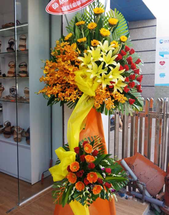 Hoa ly kết hợp làm hoa khai trương