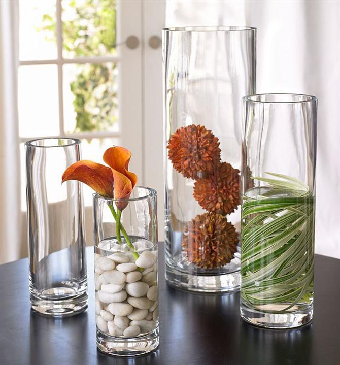 Trước khi cắm nên vệ sinh sạch bình hoa để hoa được tươi lâu