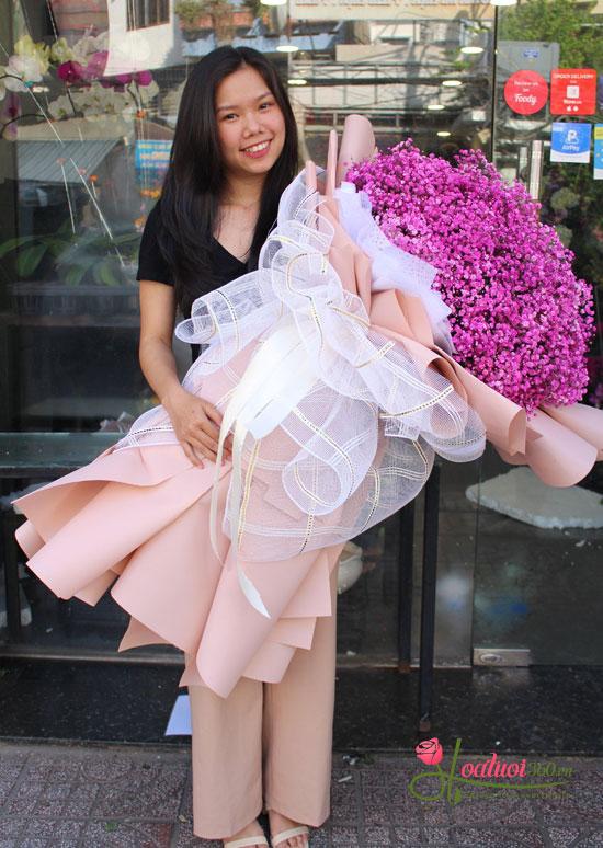 Bó hoa baby hồng khổng lồ dành tặng nàng tăng thêm bất ngờ