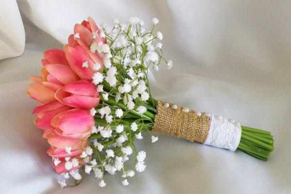 Kết quả hình ảnh cho bó hoa cưới hoa tulip