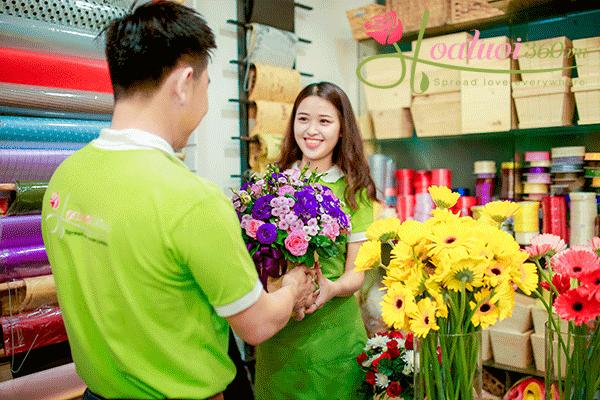 Bộ phận cắm hoa tại Shop hoa tươi 360