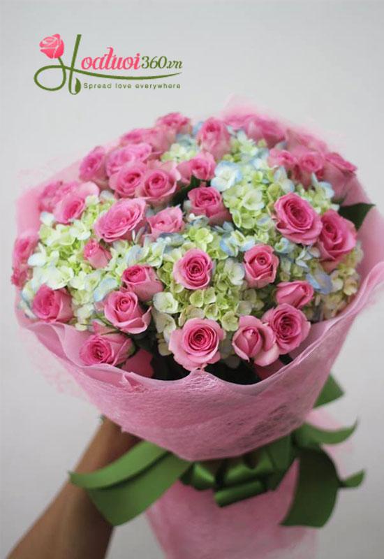Bó hoa hồng kết hợp hoa cẩm tú cầu tặng bạn gái