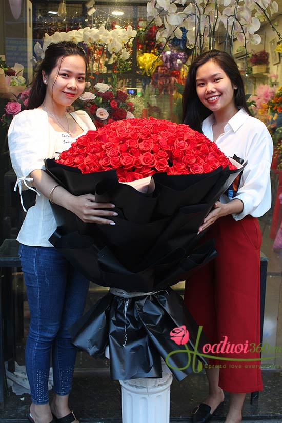 Bó hoa hồng đỏ khổng lô cao cấp