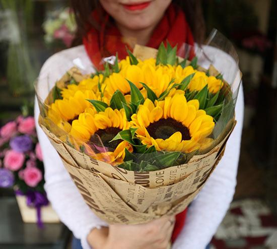Bó hoa hướng dương niềm vui valentine