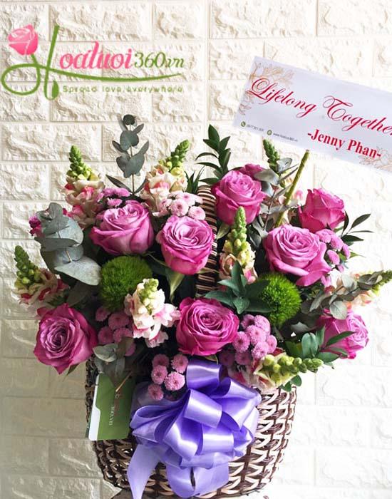 Giỏ hoa hồng Ecuador tìm đẹp hoàn mỹ