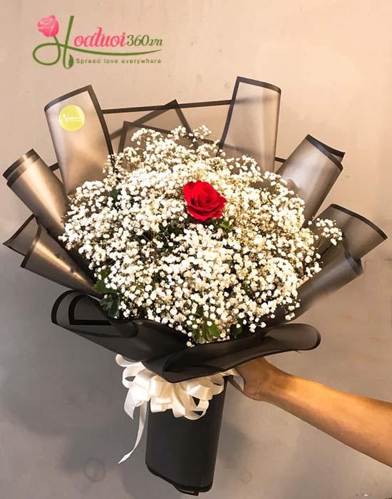 Bó hoa baby kết hợp với hoa hồng mang biểu tượng tình yêu ngọt ngào