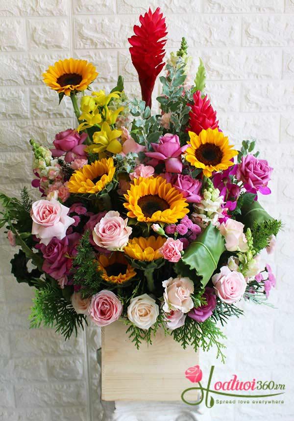 Hộp hoa chúc mừng vững niềm tin
