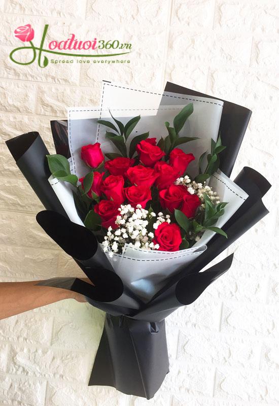 Bó hồng thẫm tặng sinh nhật