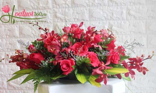 Hoa để bàn sang trọng
