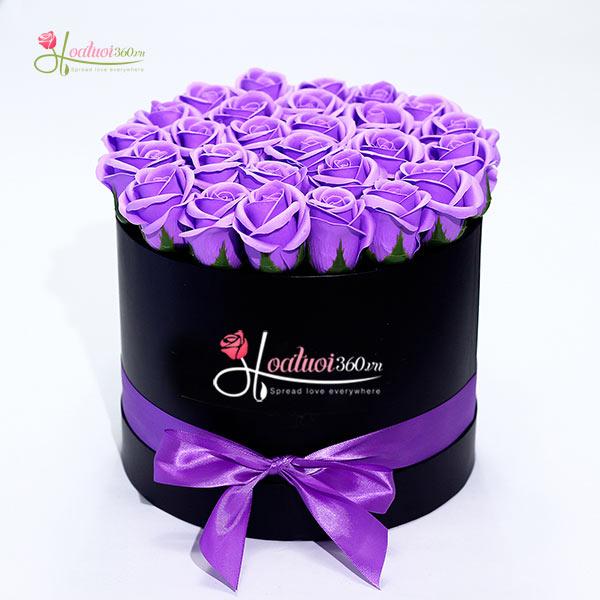Tình yêu của anh như hộp hoa hồng sáp tím chung thuỷ này