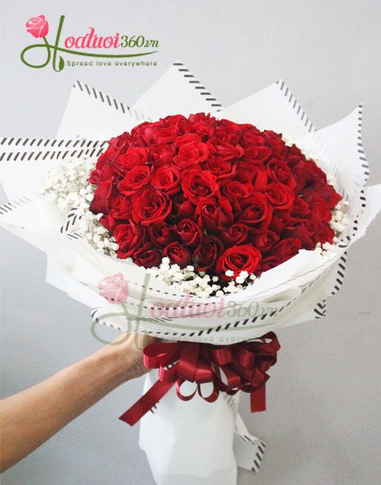 Bó hồng đỏ mừng giáng sinh kết hợp hoa baby trắng