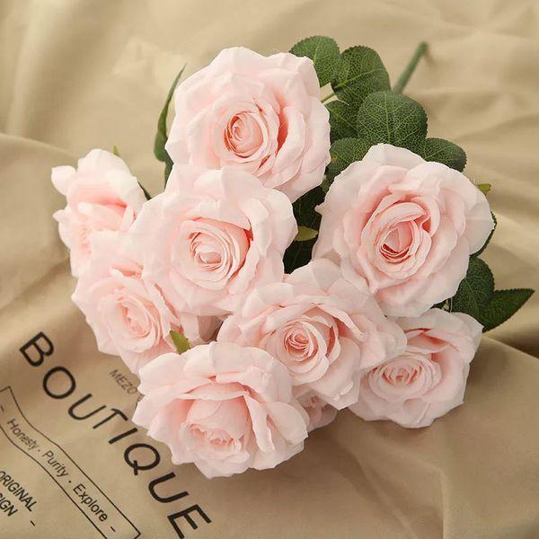 Hoa hồng nhạt là hoa gì