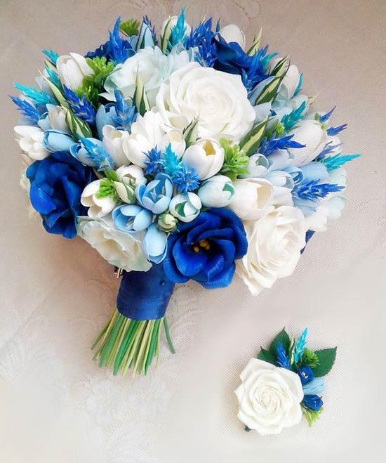 Bó hoa cưới hồng xanh kết hợp đầy màu sắc