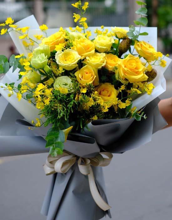 Hoa sinh nhật màu vàng