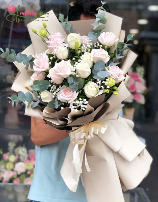 Hoa hồng trắng cho sự ngây thơ, duyên dáng