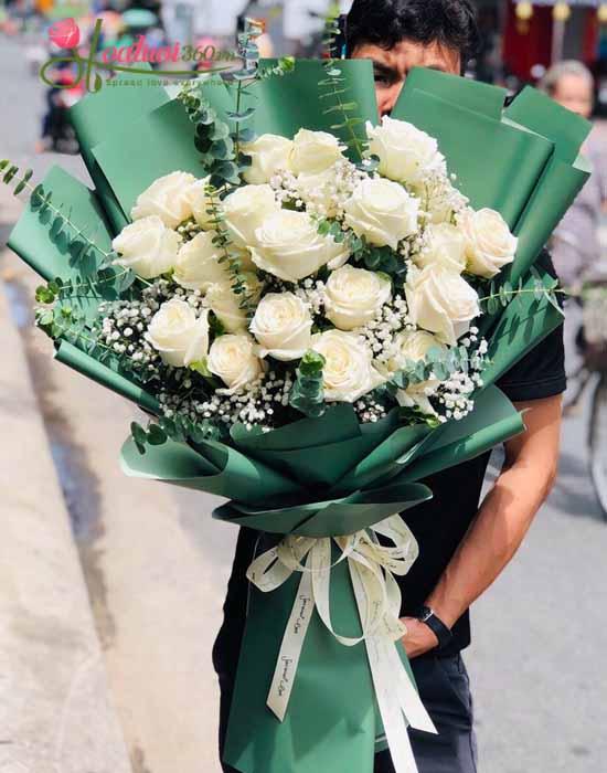 Bó hoa hồng ecuador trắng và hoa baby trắng nhập khẩu