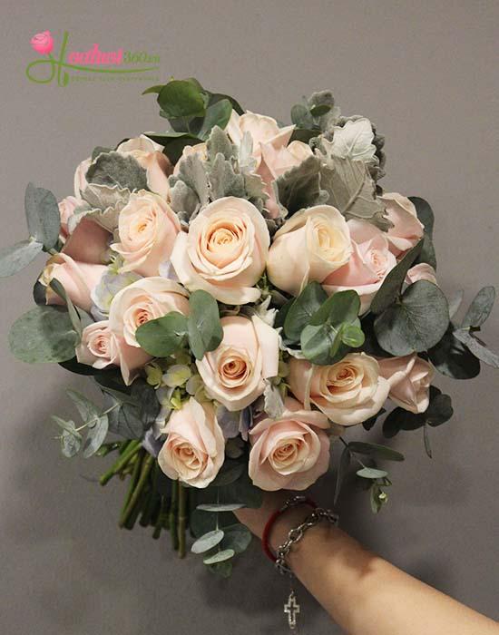 Hoa cầm tay cô dâu đẹp 2020