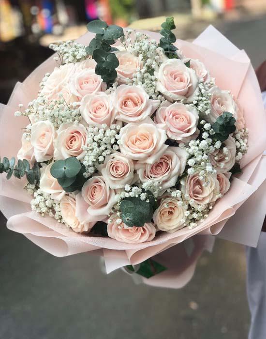 Hoa hồng nhẹ nhàng cho thời gian đầu hẹn hò