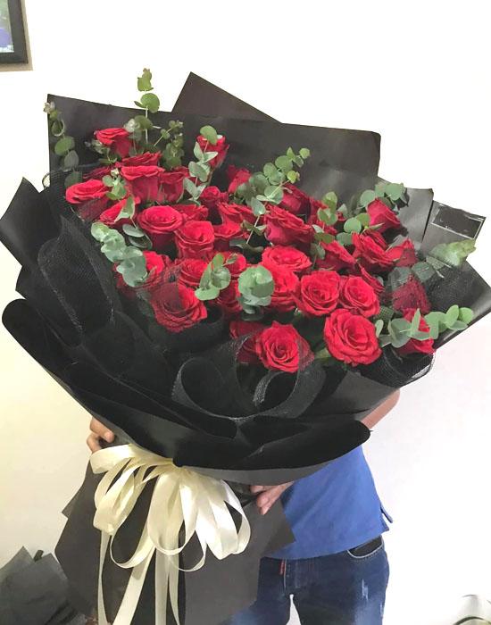 Bó hồng đỏ mừng giáng sinh ý nghĩa nhất