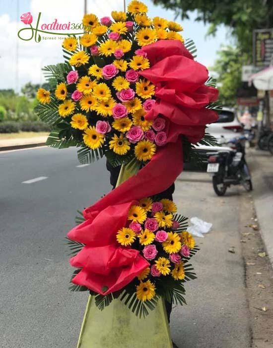 Hoa chúc mừng - có trên điện hoa tươi nguyễn thị thập